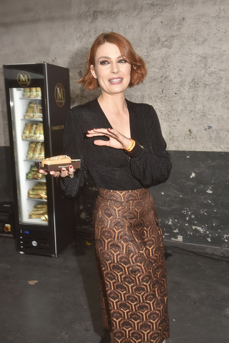 Elodie Frégé Compte bien emporter son magnum au chaud dans un frostybag