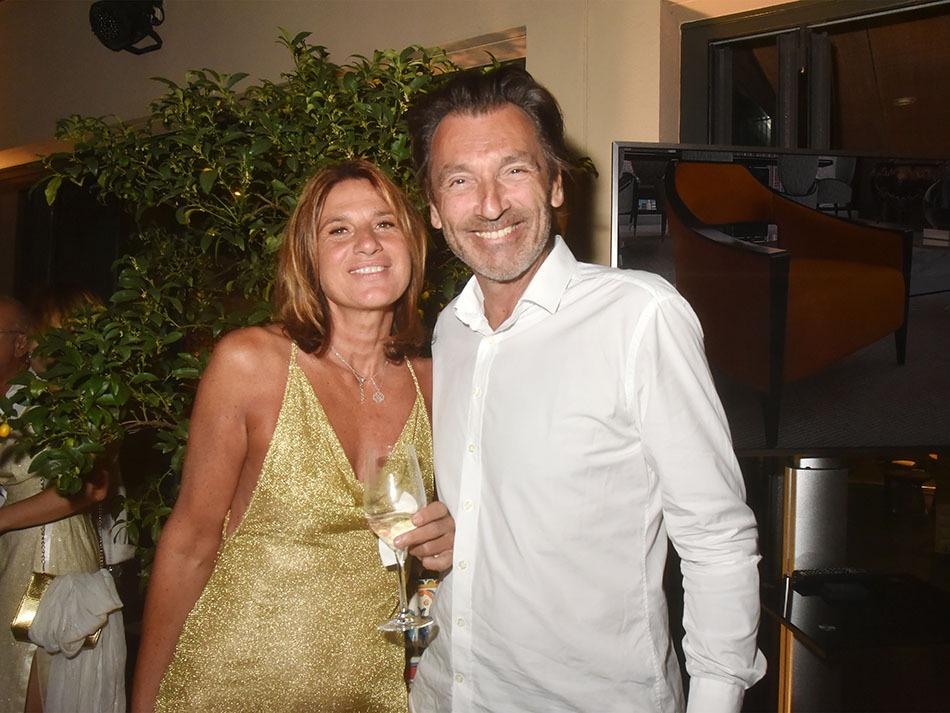 Helena DallOglio and Olivier Labaune sont un couple sympa de jeunes fans de Massimo