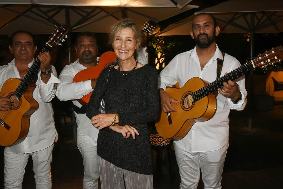 Coucouroucoucou Paloma ! Los Amigos jouent une sérénade pour Sylvie Bourgeois Harel