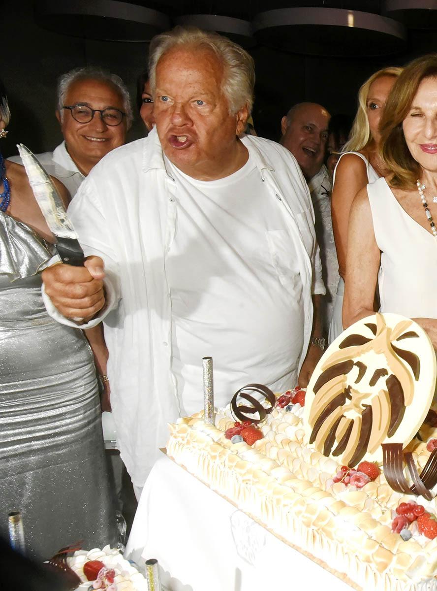 A minuit le bon Docteur Massimo se transforme en Mister Gargia serial Birthday cake killer