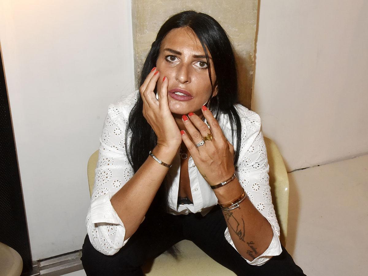 Sylvie Ortega en mode bling bling