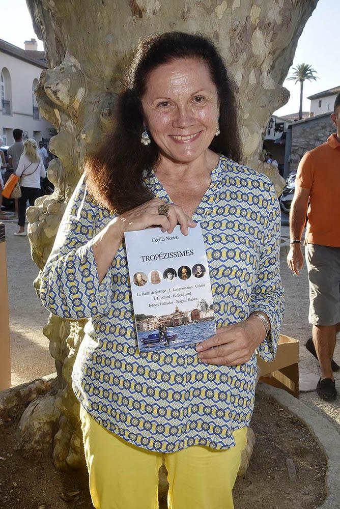 Cecilia Norick un book sur Les Coquillages et crustacés vont en vacances