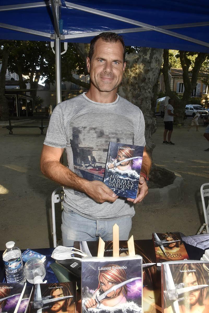 Laurent Palombo verse dans Larmes Blanches