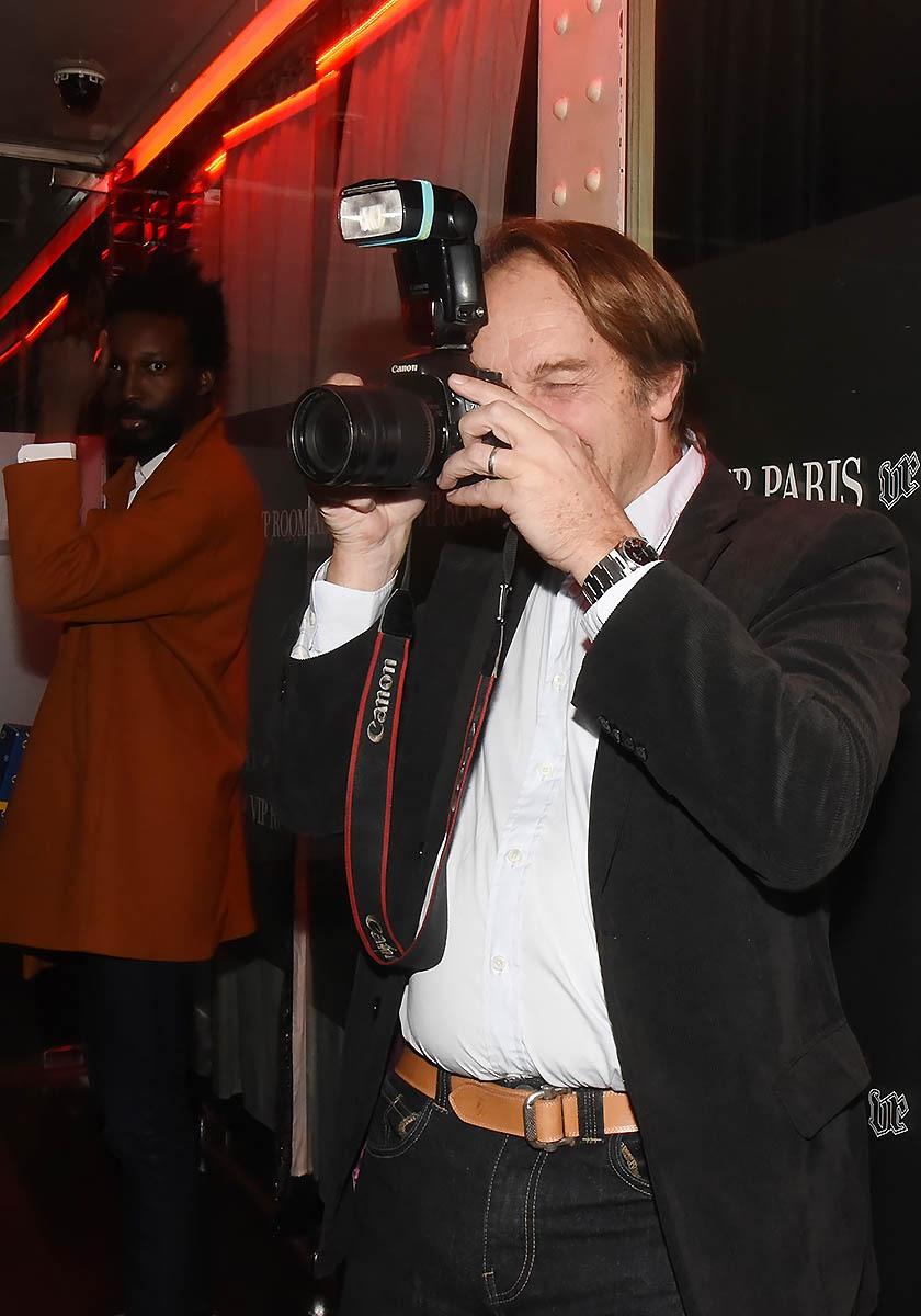 Hervé Taieb shoote avec le dernier Eyephone 14 pro