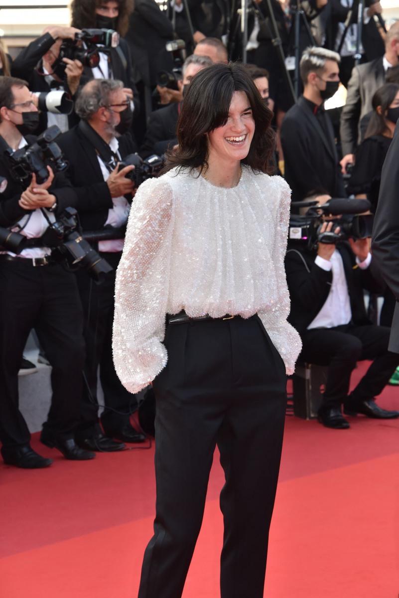 Suzanne Lindon prometteuse scenariste realisatrice de 21 C'est fille de Sandrine Kiberlain
