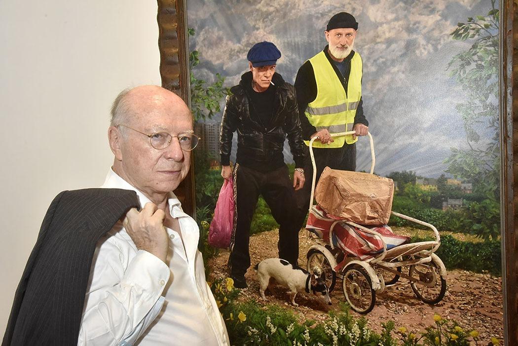 En solidarité à ses artistes Daniel Templon laisse tomber la veste.
