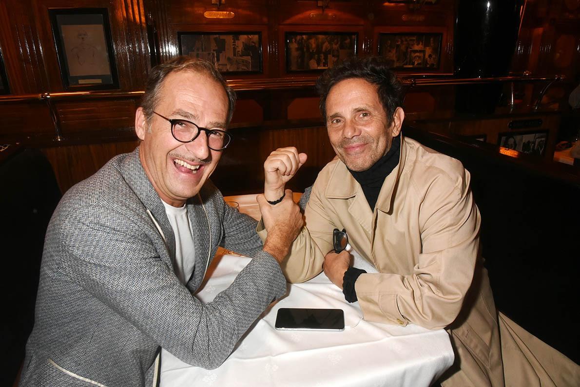 Emmanuel De Brantes et Gerald Cohen se tâtent  au french fist flucking