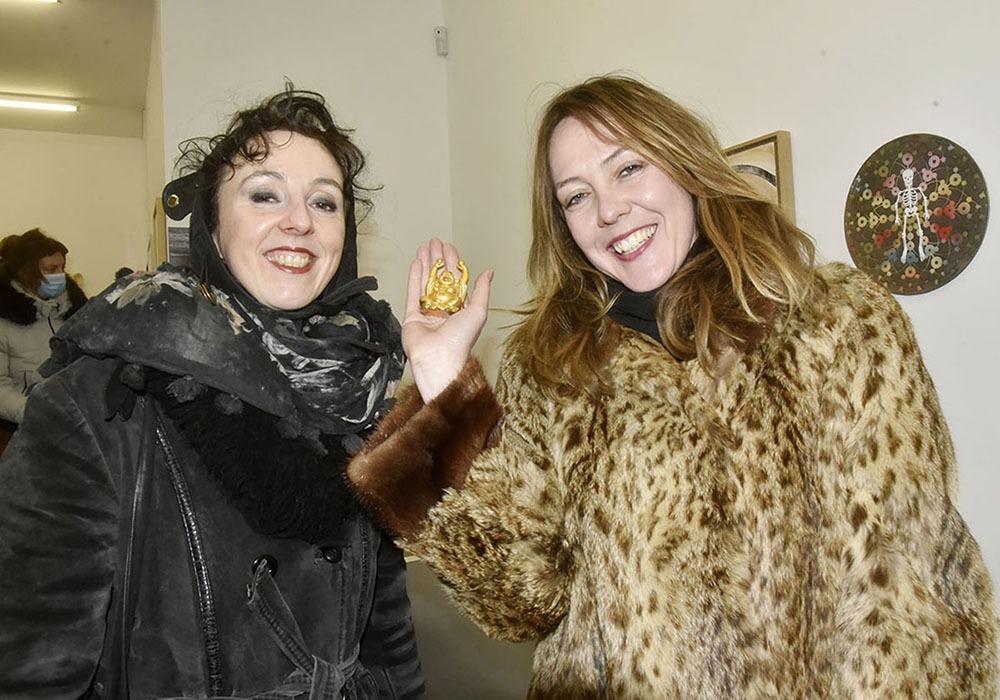Au Salon de La Mort Justine Gasquet et Eglantine Laval sont MDR
