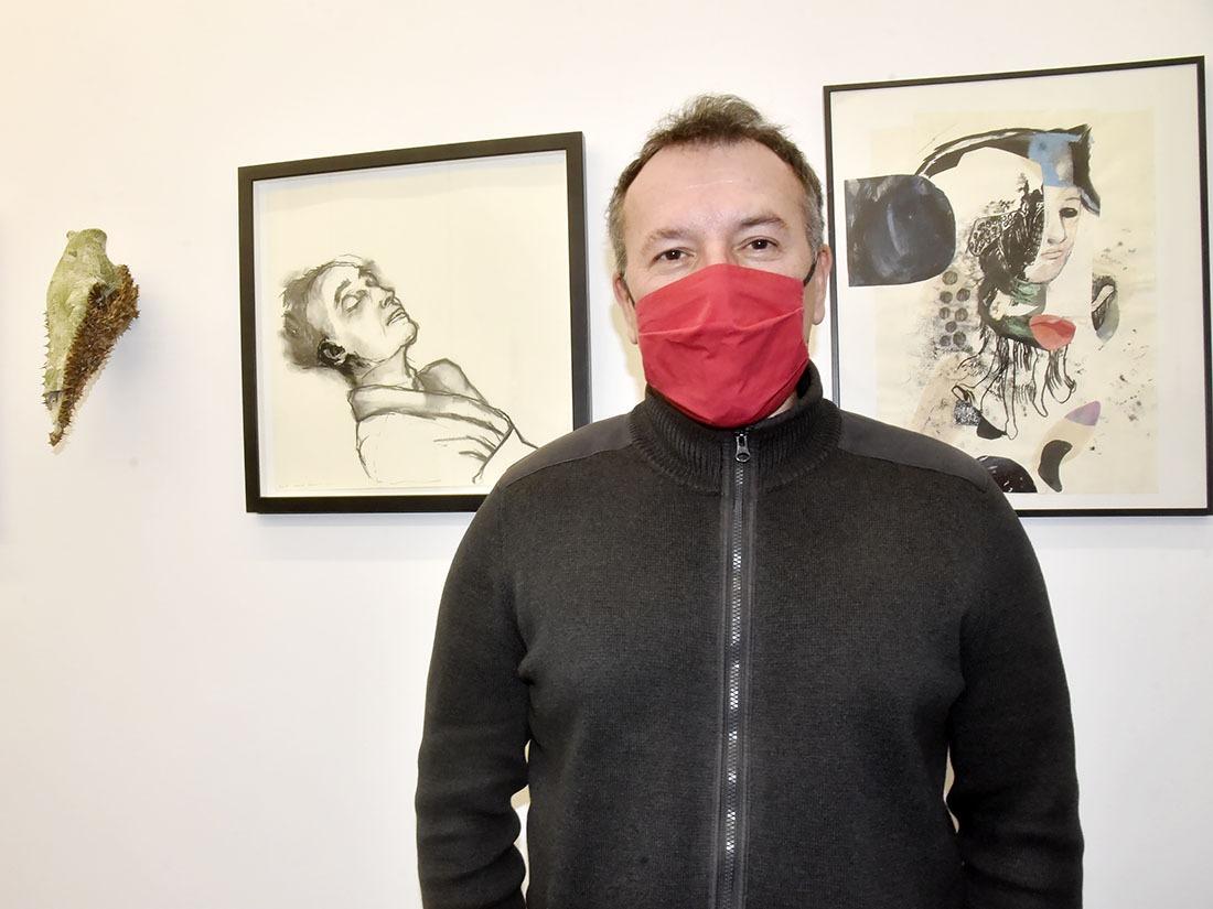 Laurent Quenehen, commissaire de l'Expo ne la voit pas morose mais rouge !