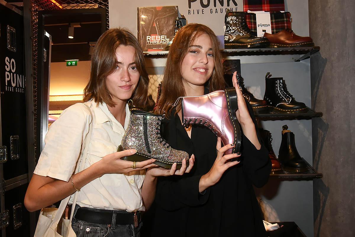 Clea Beuret Astrid Staes viennent de dévaliser la boutique Doc Martens qui fait de si joli stilettos