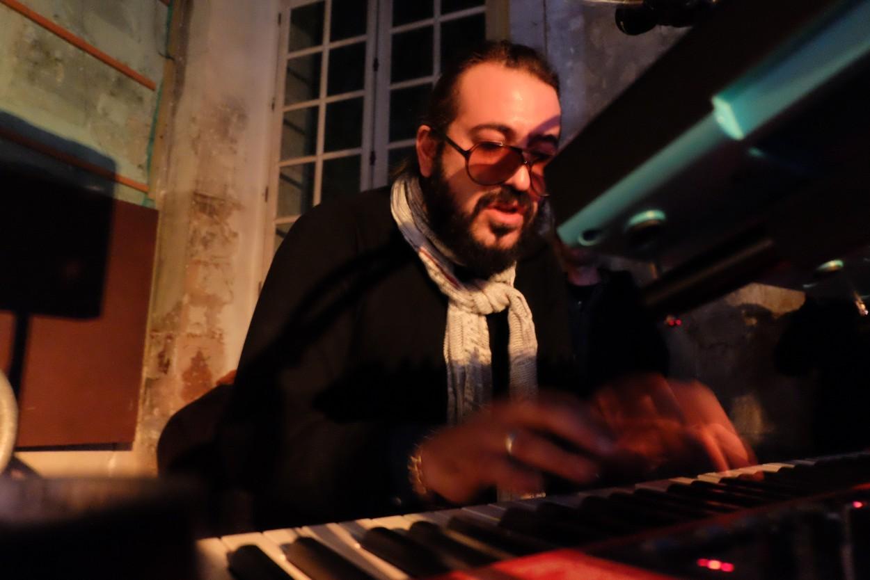 Sylvain attaque le clavier