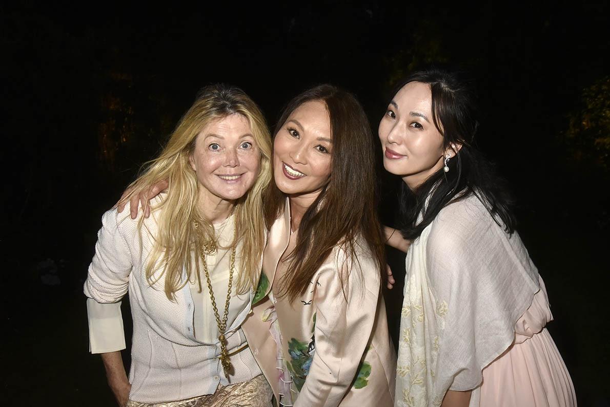 Sonia Ponia avec Chen Du Hsia et Minzhi Zhang montent le groupe les « 2BFilles »