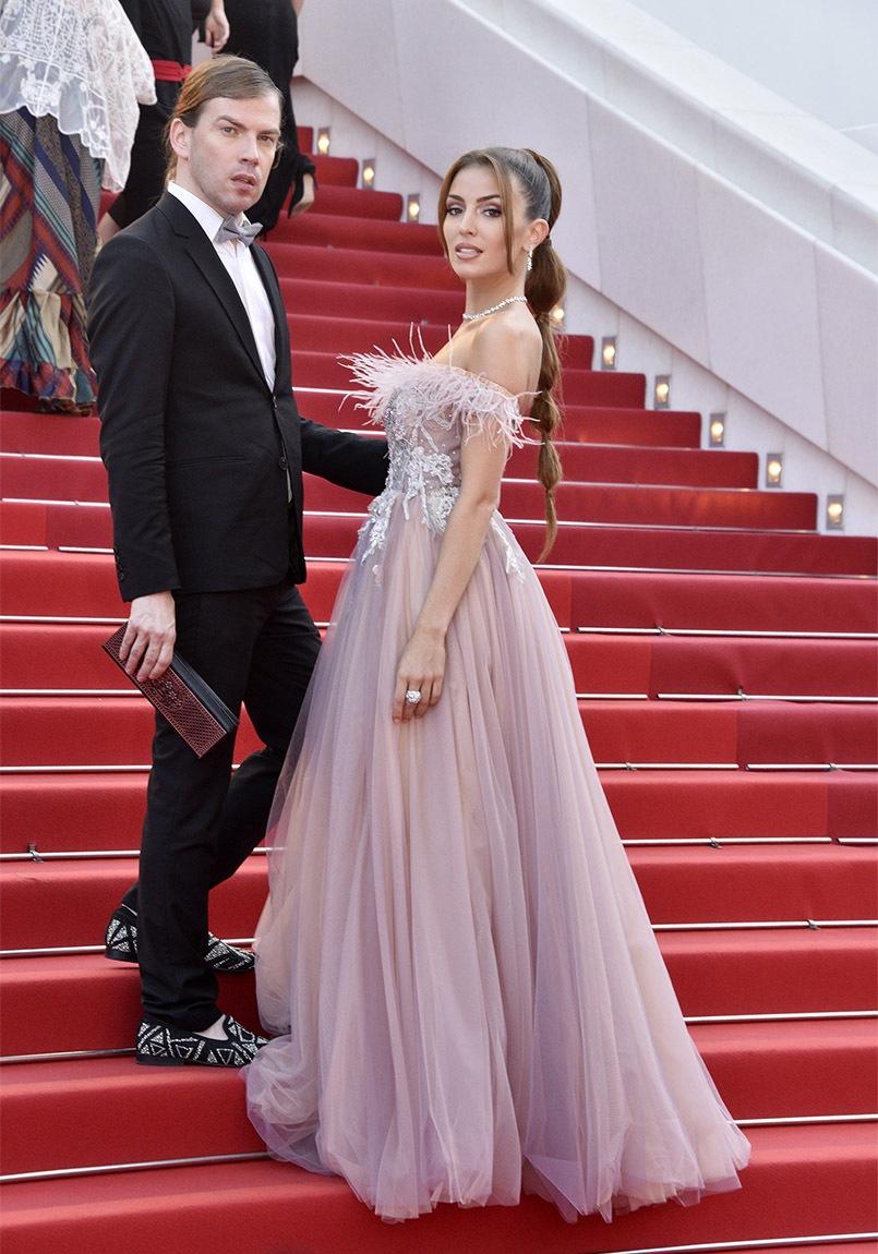 Christophe Guillarmé sévit sur le tapis rouge avec Miss Côte d'Azur 2020 Lara Gautier