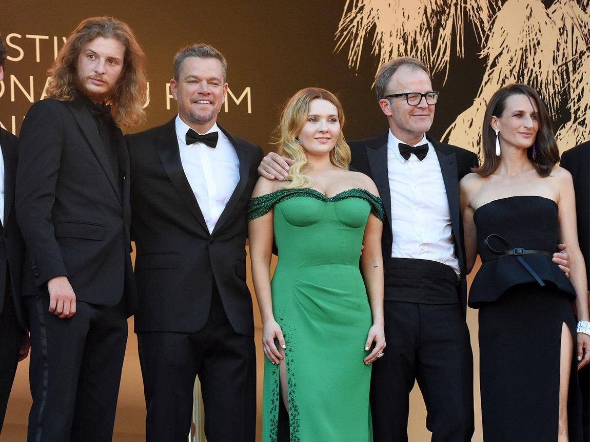 """J'ai recadré une partie de """"Stillwater"""" team : Voilà Idir Azougli, Matt Damon, Abigail Breslin, director Tom McCarthy et la belle Camille Cottin"""