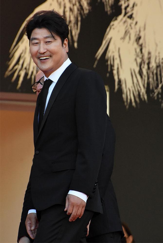 Sous les palmiers un des plus grands acteurs coreens Song Kang-ho
