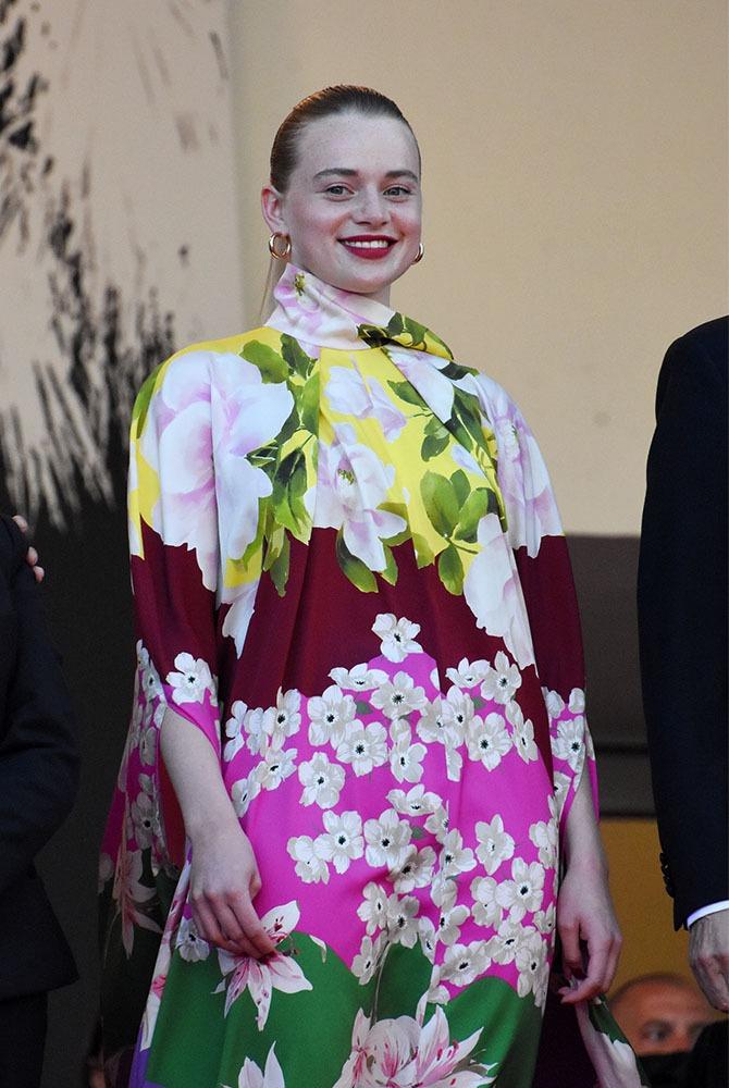 De loin j'ai pris Luna Wedler pour Lea Seydoux elle a un p'tit coté Ingrid Bergmann