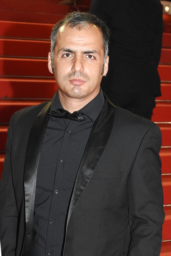 Mustafa Ozgun est réal et tourne beaucoup avec des acteurs chinois !!