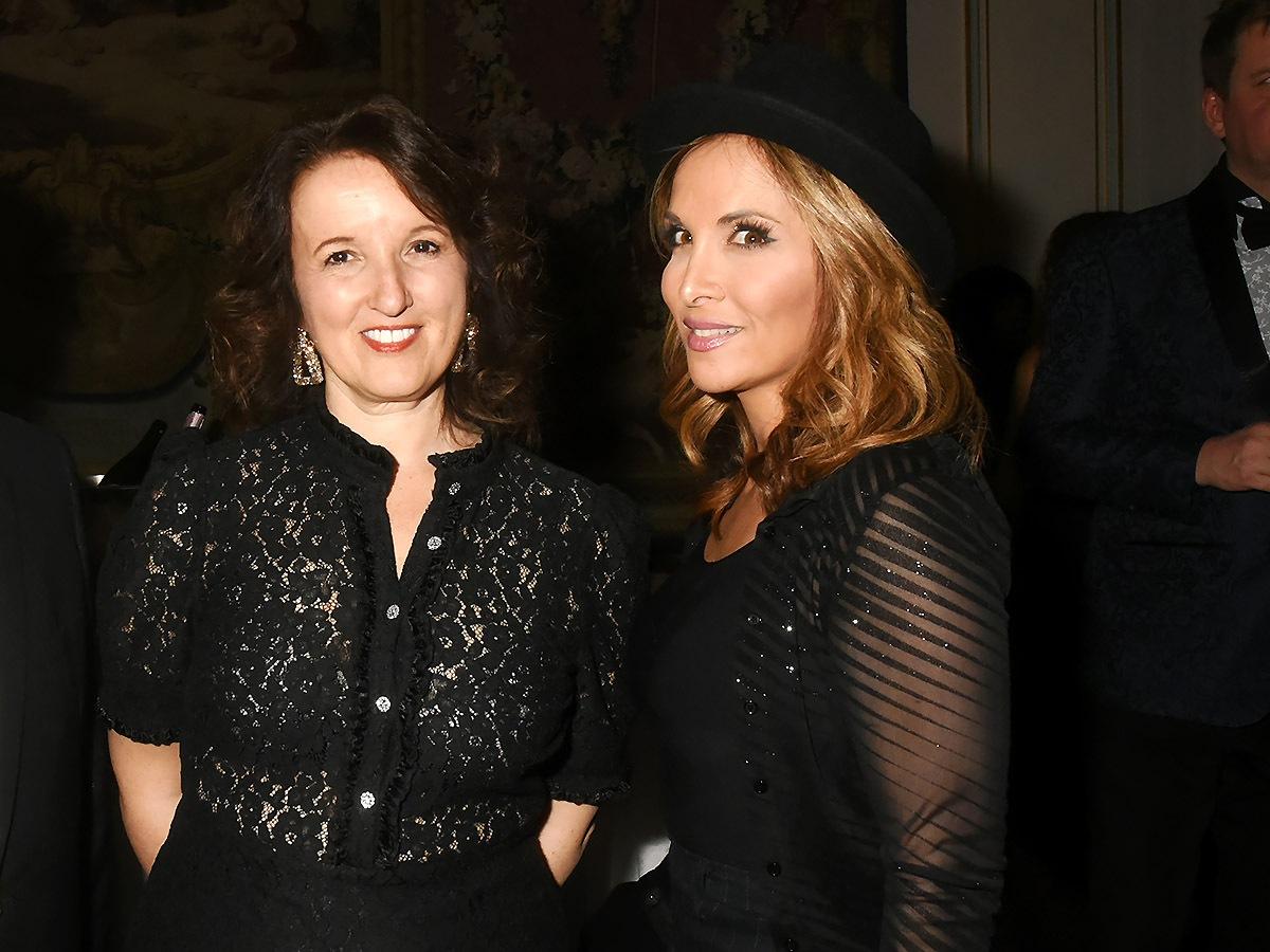 Entre elle et Helene Segara «Tout Va Bien» nous dit Anne Roumanoff