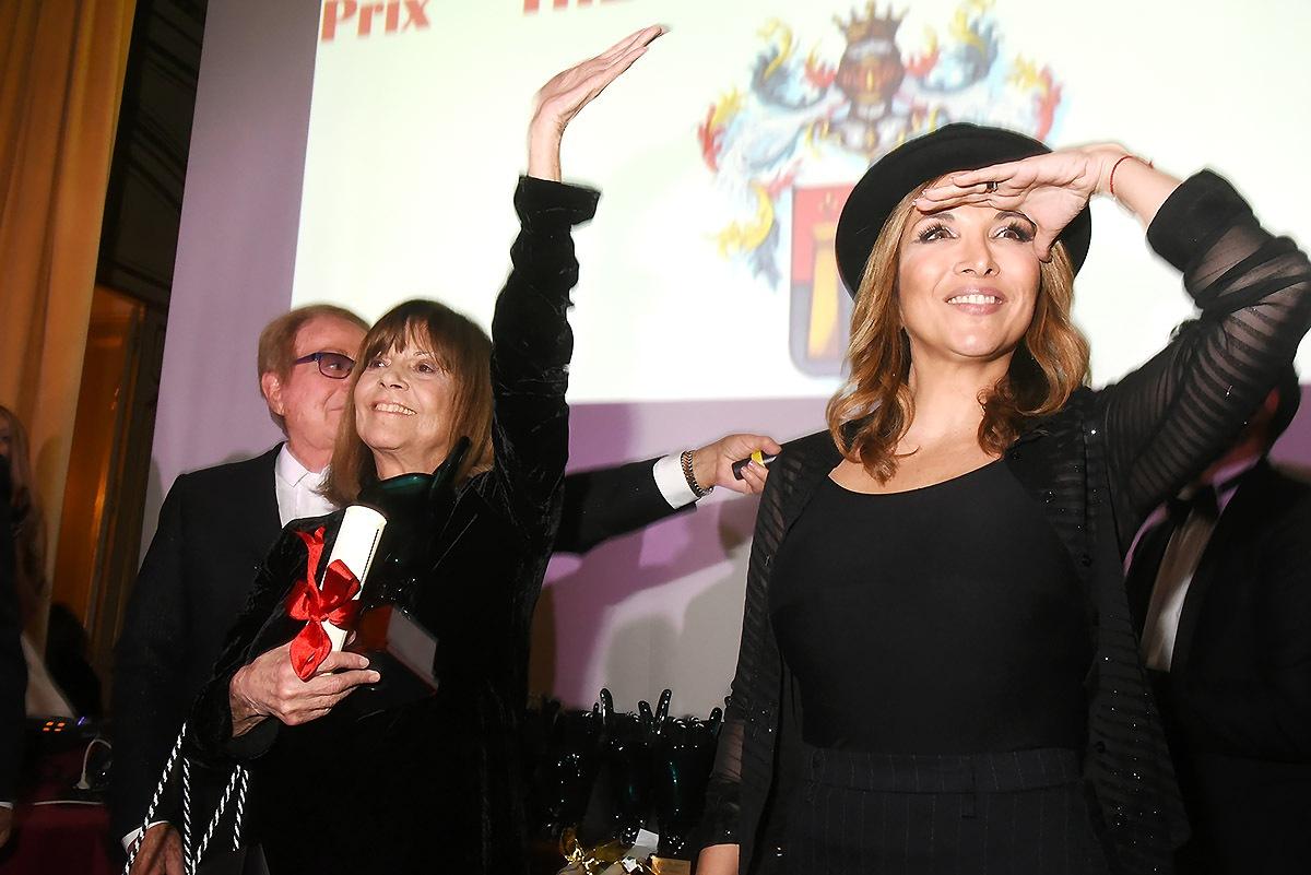 Hélène Ferrara verrait bien Chantal Goya portée au Zénith