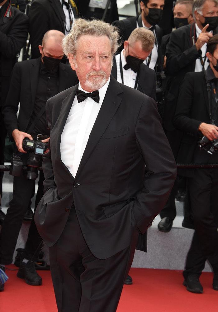 Bah pour Robert Guédiguian des calanques de Marseille à la croisette de Cannes ca prend dix minutes en pédalo !!
