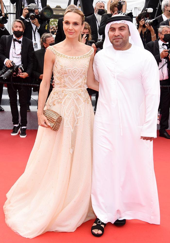 Le Dr. Bu Abdullah Yaqoub Mousa Mohamed Hussain Al Maazmi est aussi producteur de films à Bollywood !!