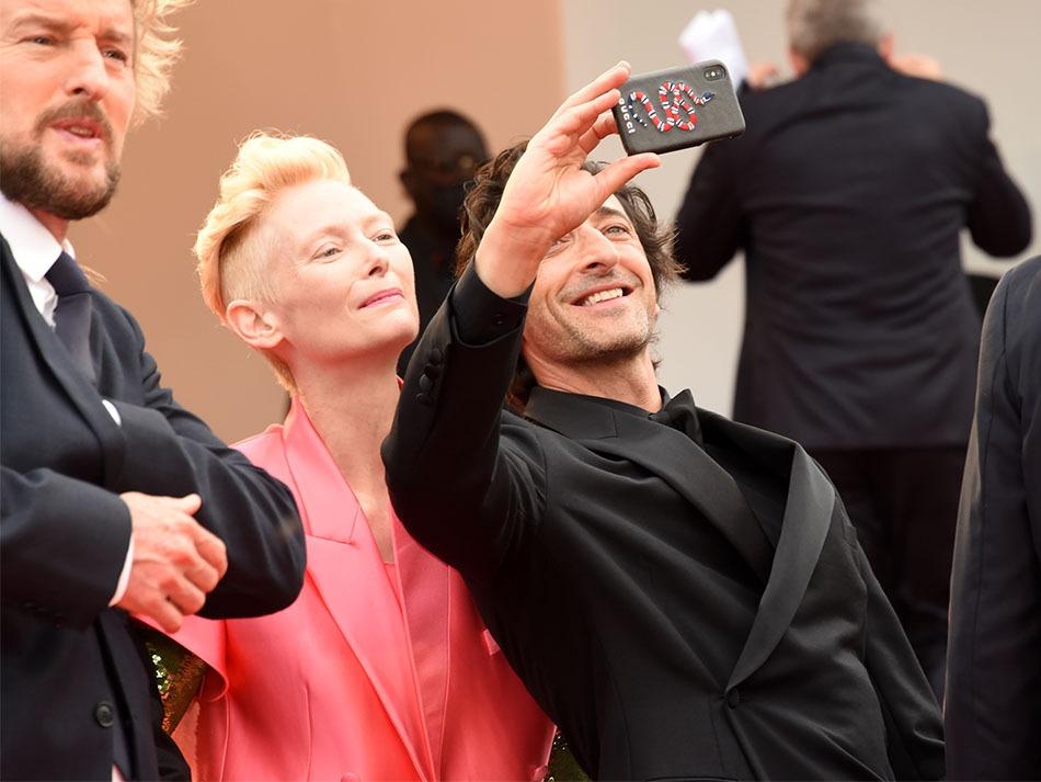 Alles Tilda un ptit selfie avec Adrien  au sommet de la Pyramide du cinoche