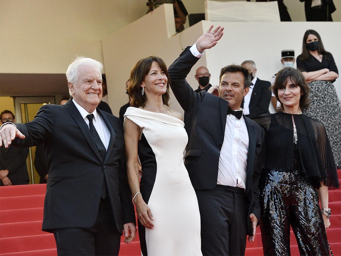 En Haut des marches Andre Dussollier, Sophie Marceau, Director François Ozon and Geraldine Pailhas Mont Rushmorent