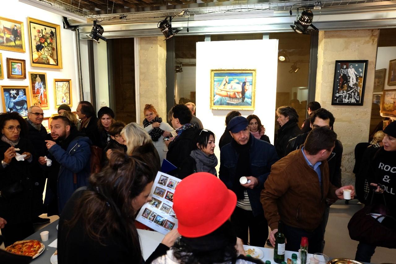 Beaucoup de monde ce soir pour l expo de Tristam a la galerie Duboys