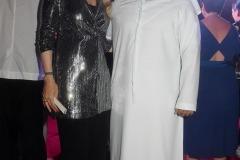 Noura-Arif-et-le-Dr.-Bu-Abdullah-Yaqoub-Mousa-Mohamed-Hussain-Al-Maazmi-sorti-de-22Lawrrence-dArabie-22