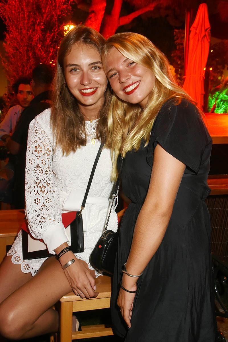 Carla Peclet et Emma Vandamme Voilà Les VipRoomettes de la semaine