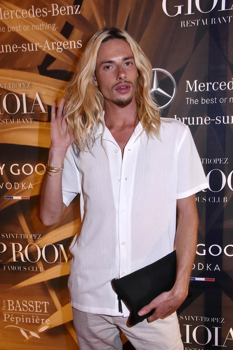 Shoes bidoubidou malgré sa crinière blonde Lucas Limbert ne shampouine pas il est designer stilettos chez Christian Louboutin