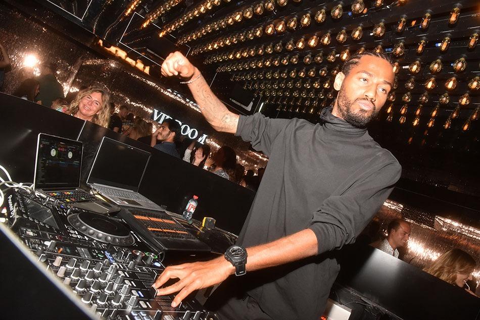 Ce soir Si Jean Roch c'est le boss, Jon Rocca c'est le DJ
