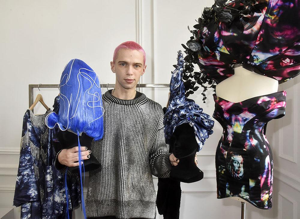 Victor nous dévoile deux coiffures créées par Christophe Mecca  Assorties à ses créations !