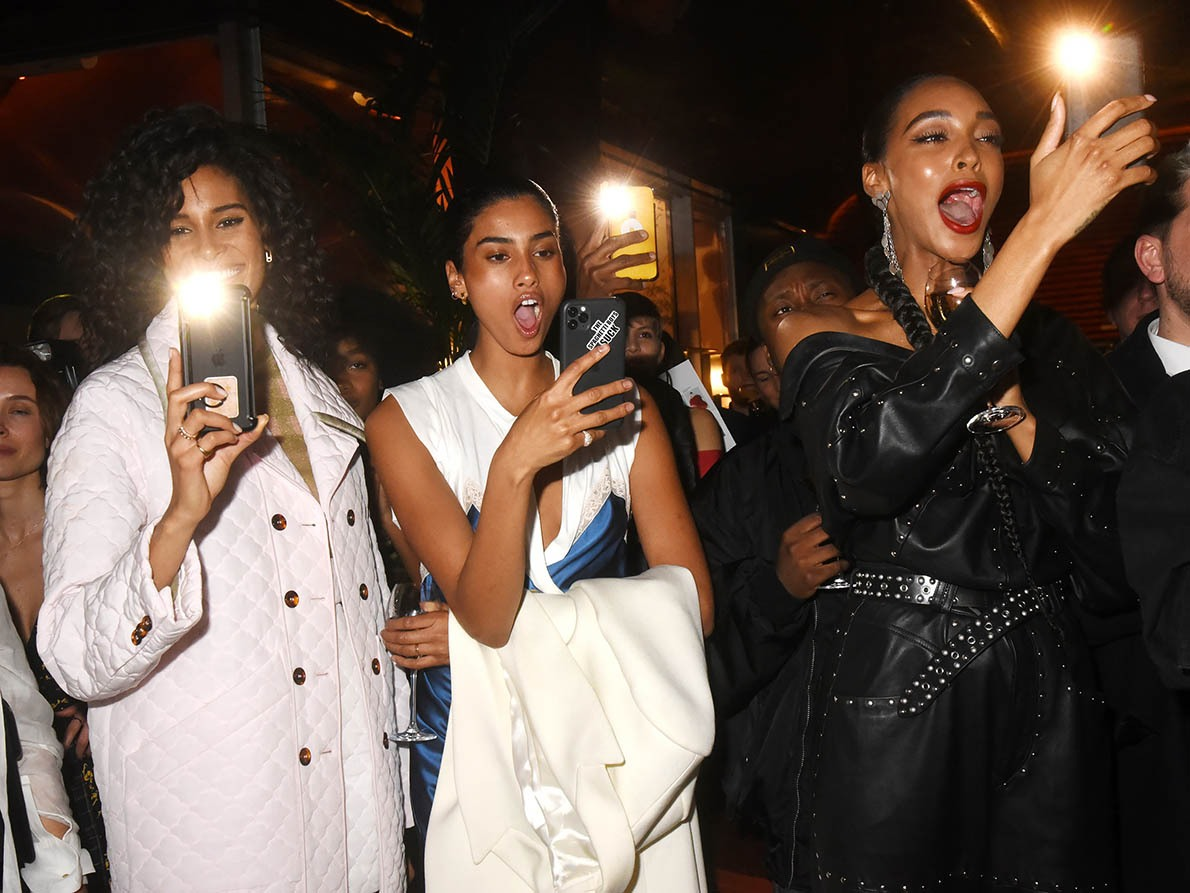 Cindy Bruna Iman Hammam Jourdan Dunn en taties flingueuses