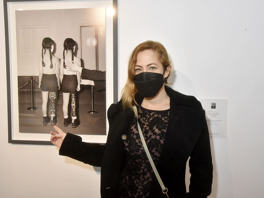Myriam Charleins intriguée par la campagne des Bas Dim Nylon pendant la guerre !