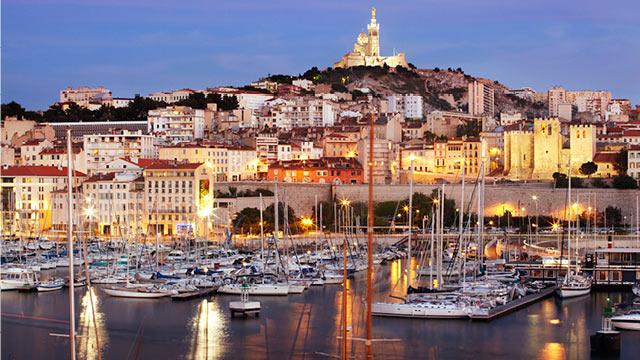 Marseille les immanquables technikart - Mcdo vieux port marseille ...