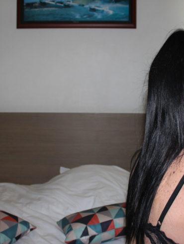 prostituée escort girl confinement